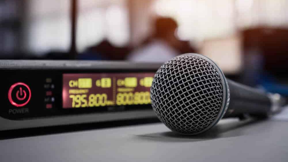 5G uyumlu yeni frekans telsiz mikrofonlar